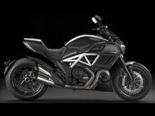 Diavel Carbon White